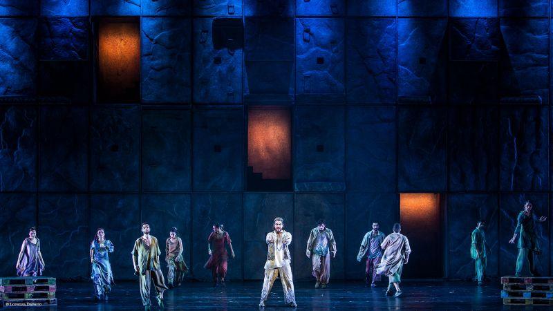 Teatro-degli-arcimboldi-notre-dame-de-paris